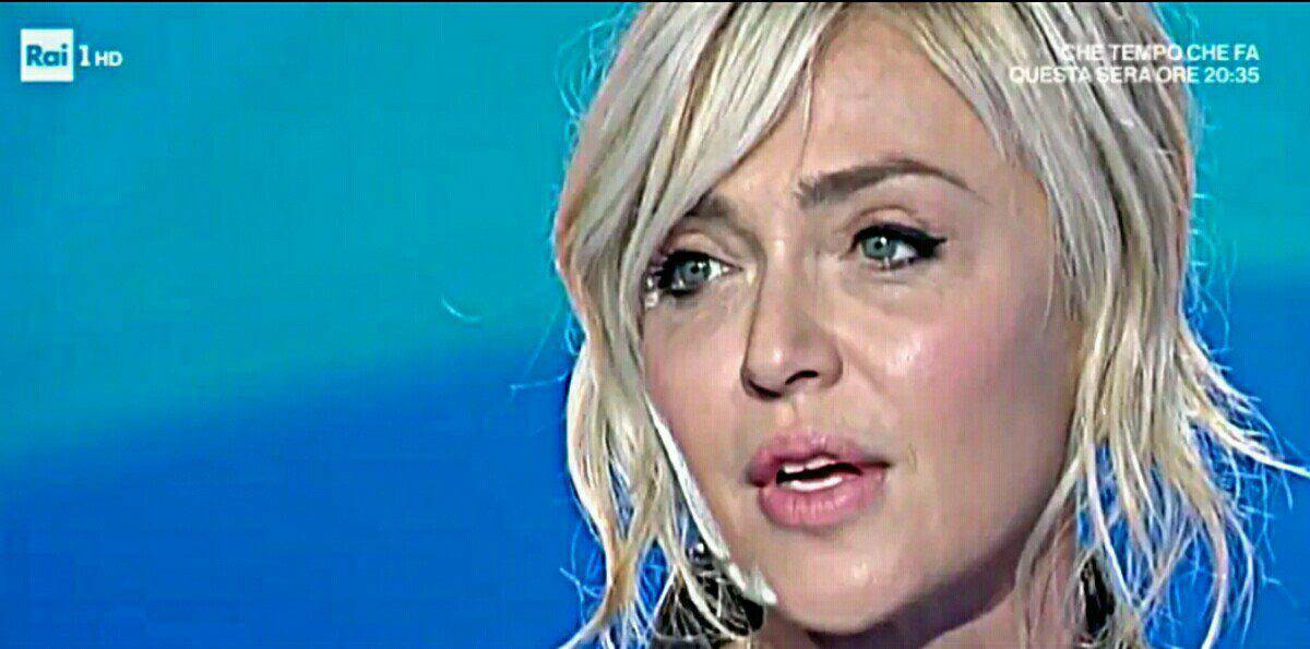 """Paola Barale a Domenica In: """"Io e Raz non ci parliamo"""""""
