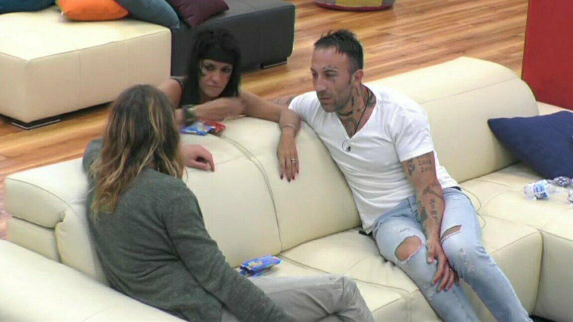 Grande Fratello, Aida Nizar e Alberto Mezzetti sempre più vicini