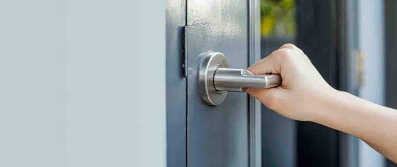 aprire una porta