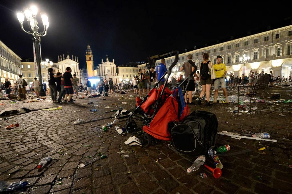 Piazza San Carlo, tragedia Torino maxischermo