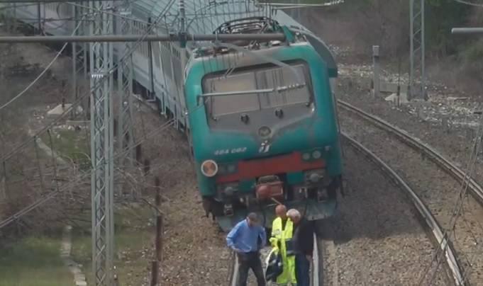 deraglia treno Torino-Savona
