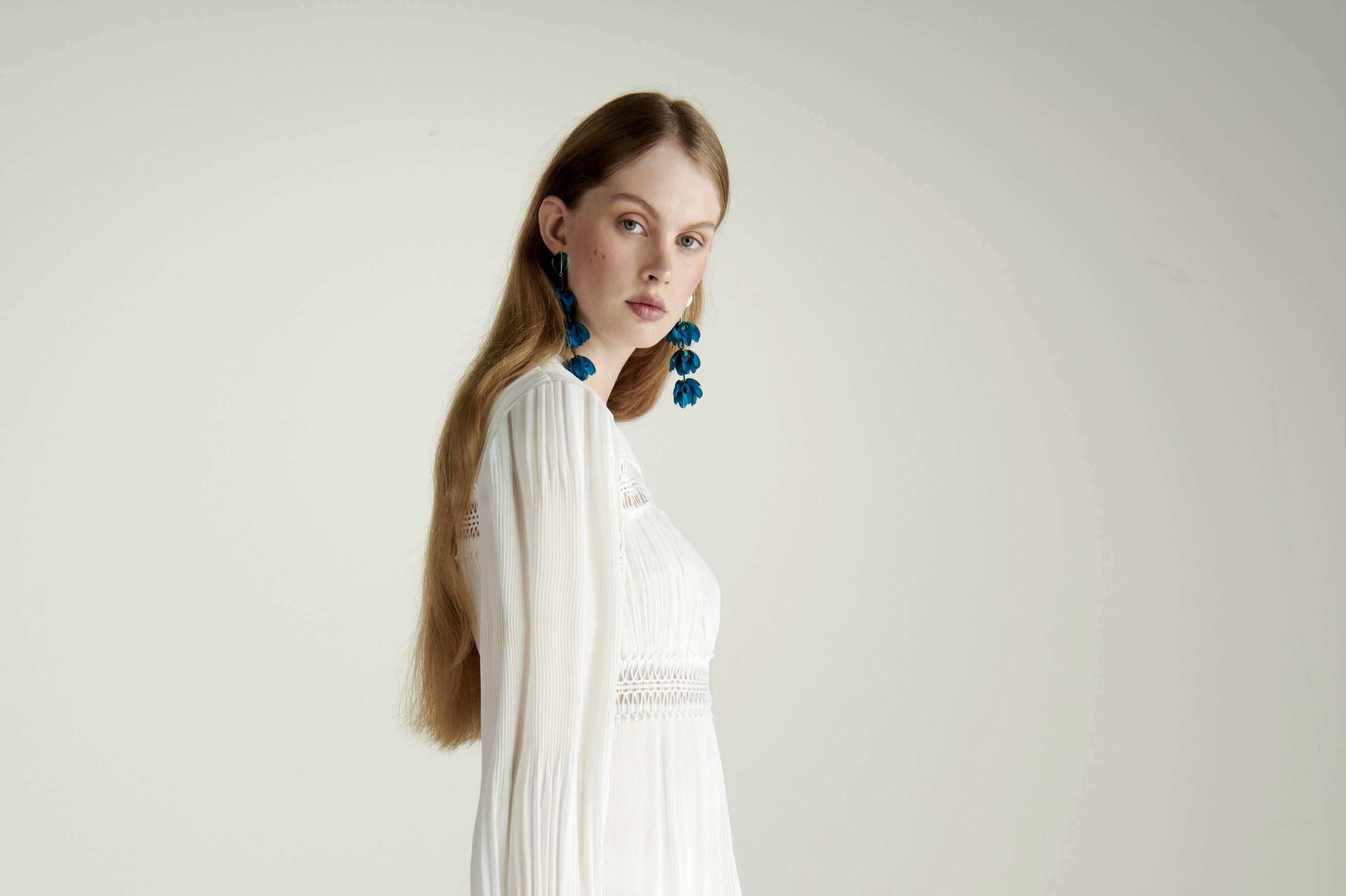 Amazon presenta Truth & Fable, nuova linea d'abbigliamento per donna