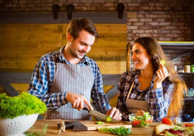 coppia cucina