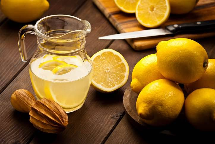 limone e bicarbonato di sodio per bruciare il grasso addominale