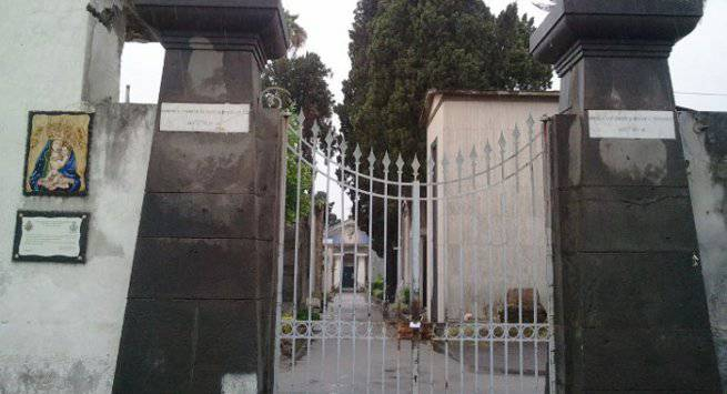 Dramma di Pasqua: va a trovare la figlia al cimitero e muore
