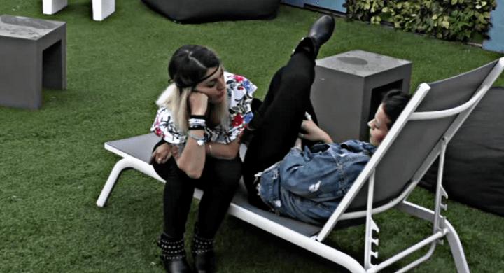 Veronica Satti consola Lucia Orlando