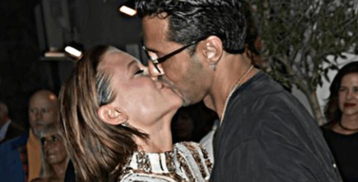 Fabrizio Corona e Silvia Provvedi, pace fatta con un bacio in pubblico