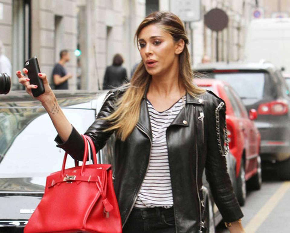 Belen Rodriguez contro i paparazzi