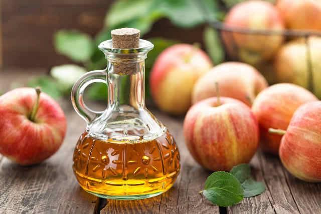 aceto di mele per bruciare il grasso della pancia