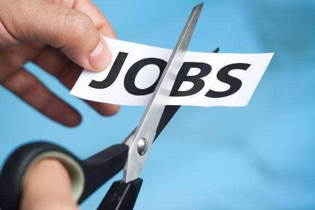 Si ammala di cancro: licenziata dopo 33 anni di lavoro