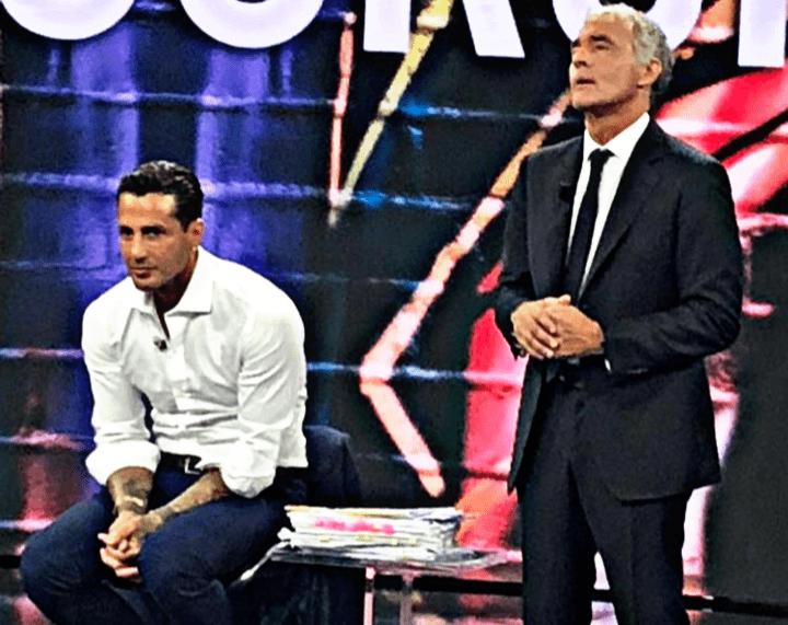 Fabrizio Corona, lite furiosa con Mughini in diretta tv