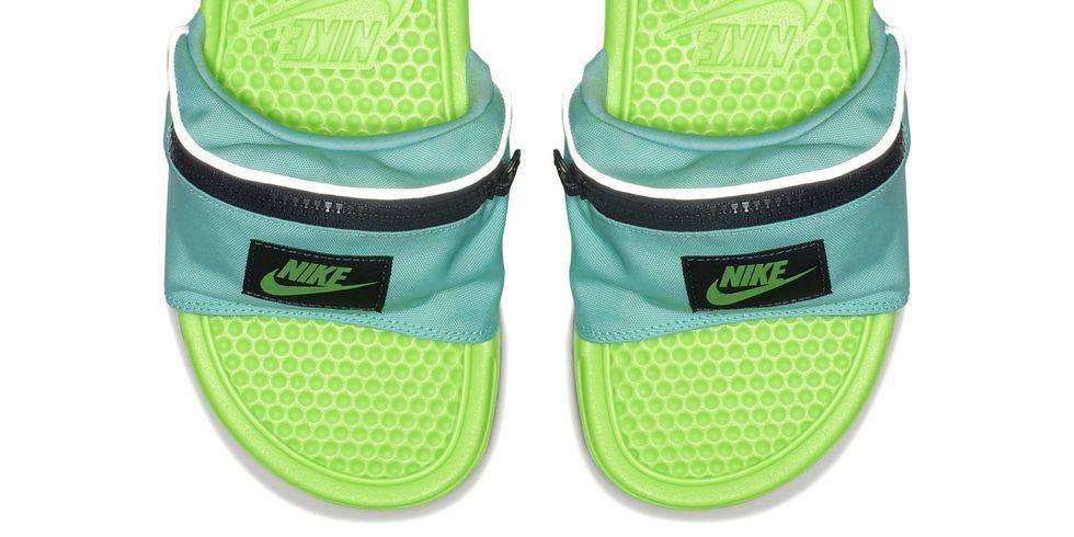 Nike lancia la ciabatta marsupio 87eba1210410