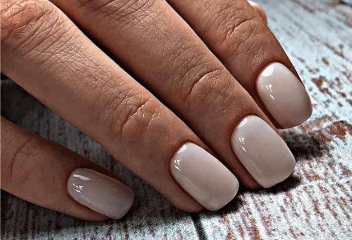 Olio di ricino, perché e quanto usarne sulle unghie