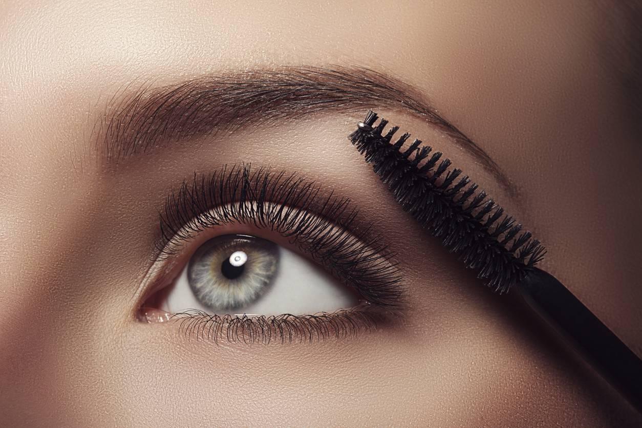 Make-up: 4 astuzie per ottimizzare l'applicazione del mascara