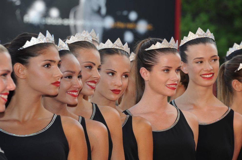 Spuntano le foto di Miss Italia nuda: Carlotta Maggiorana rischia il titolo