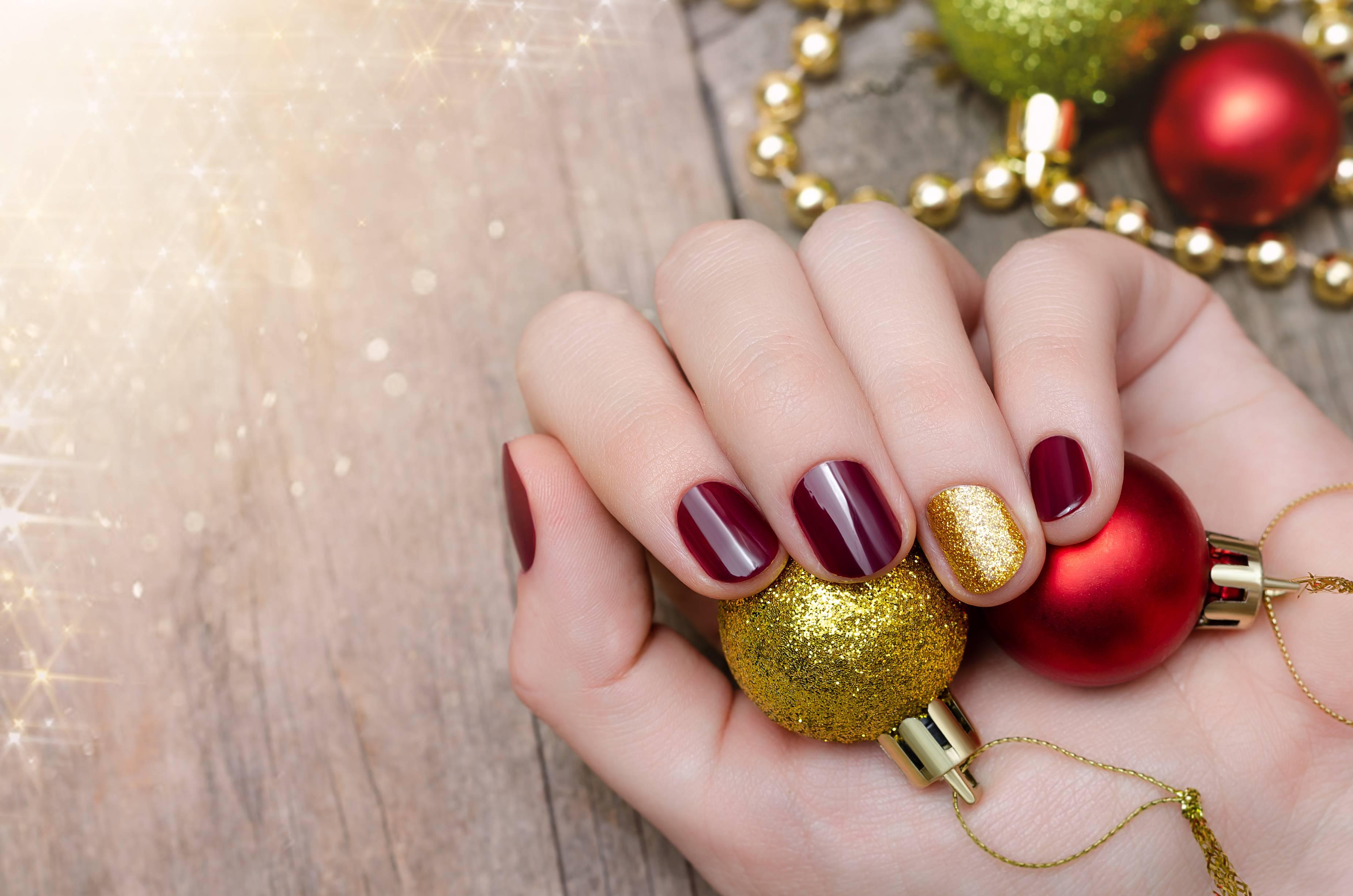 Immagini Natalizie Semplici.Unghie Natale 2018 Nail Art Natalizie Semplici Ed Eleganti