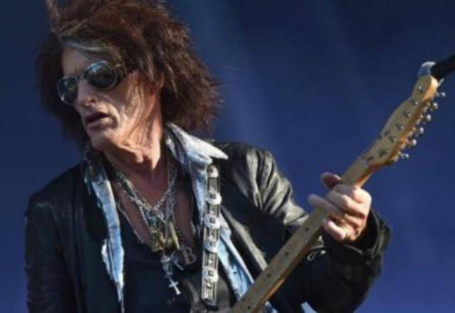Malore per il chitarrista degli Aerosmith