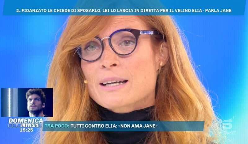 Jane Alexander intervistata da Barbara D'Urso dice di aver seguito le interviste del suo ex rilasciate negli giorni scorsi e racconta