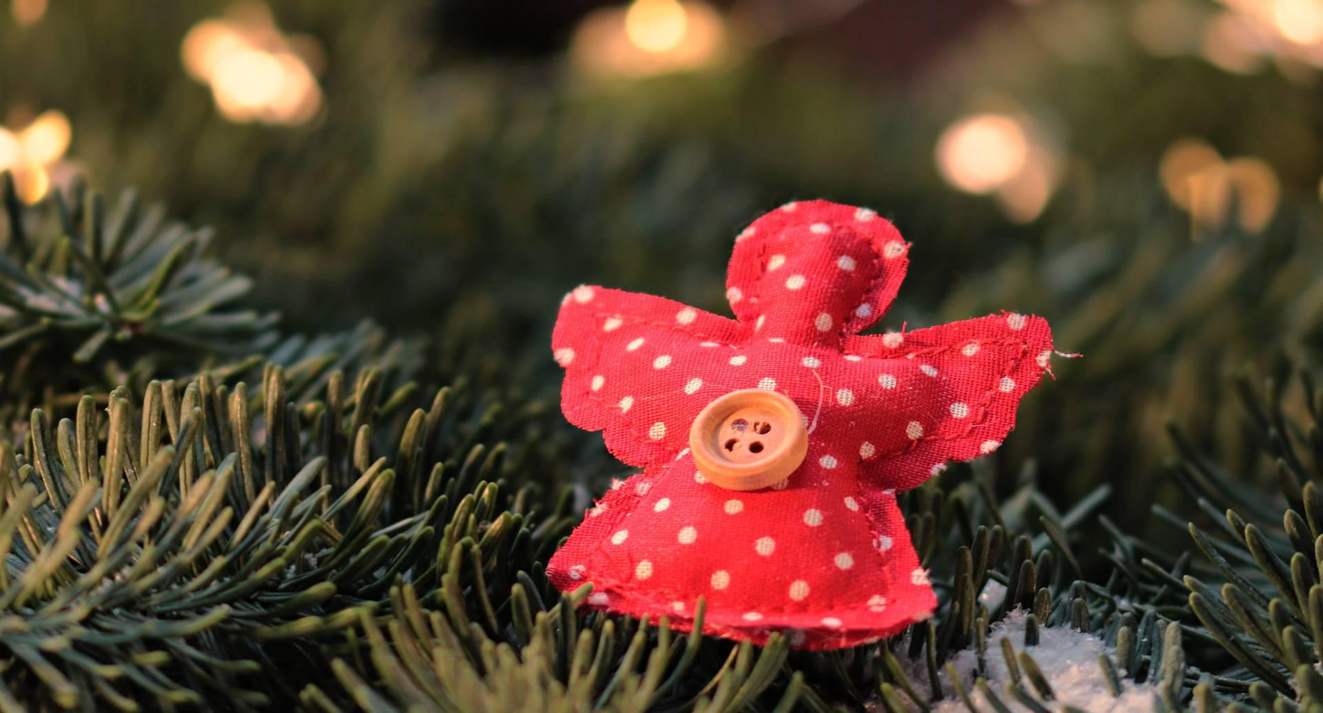 Gli addobbi di Natale fai da te in stoffa