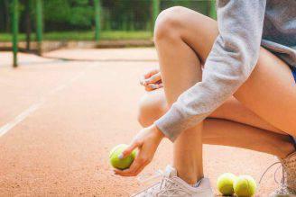 Dolori muscolari e contratture: 7 esercizi con la palla da tennis.