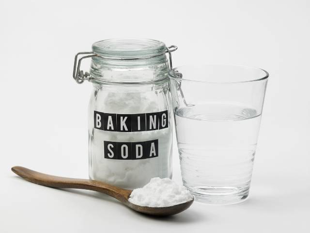 benefícios de água e bicarbonato de sódio