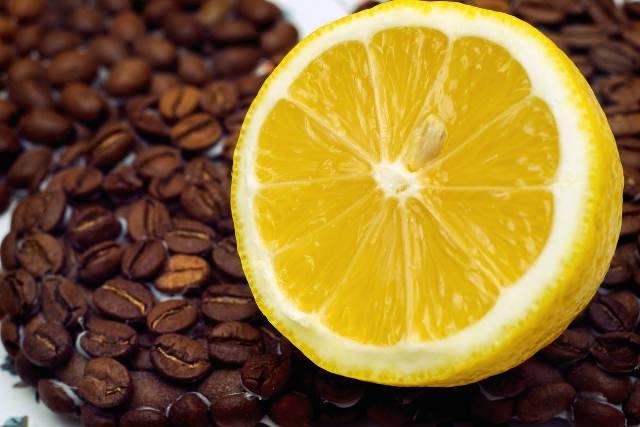 caffè e limone contro emicrania