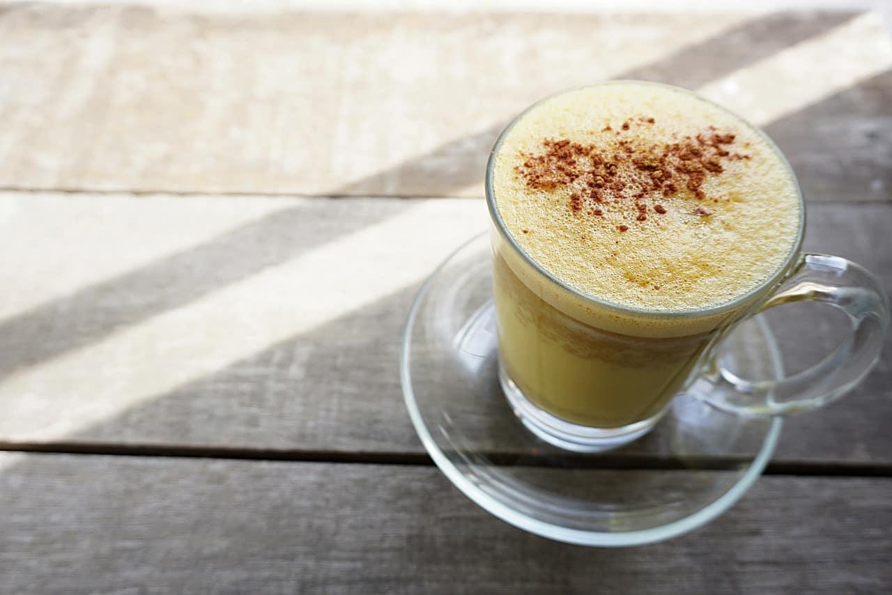 Golden Milk: la preziosa bevanda a base di curcuma