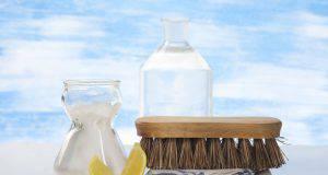 Aceto bianco di alcool: tutti gli utilizzi casalinghi