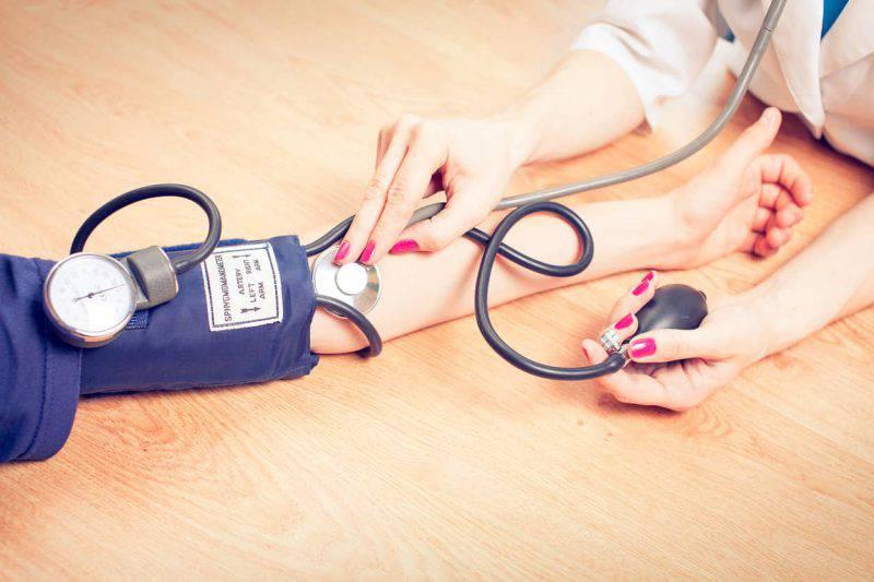 Ipetensione: chi ne soffre dovrebbe evitare gli spray nasali