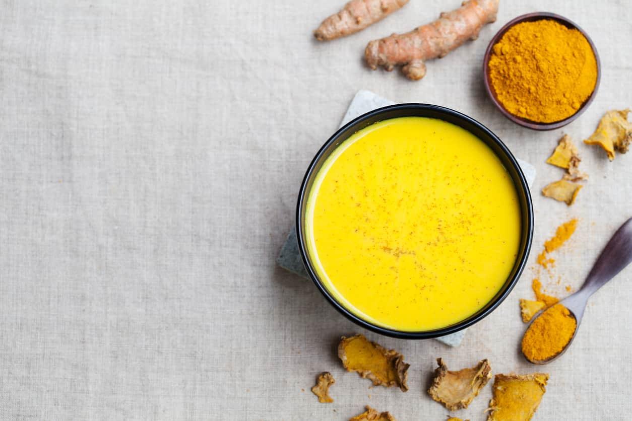 Golden Milk: le proprietà curative e come prepararlo