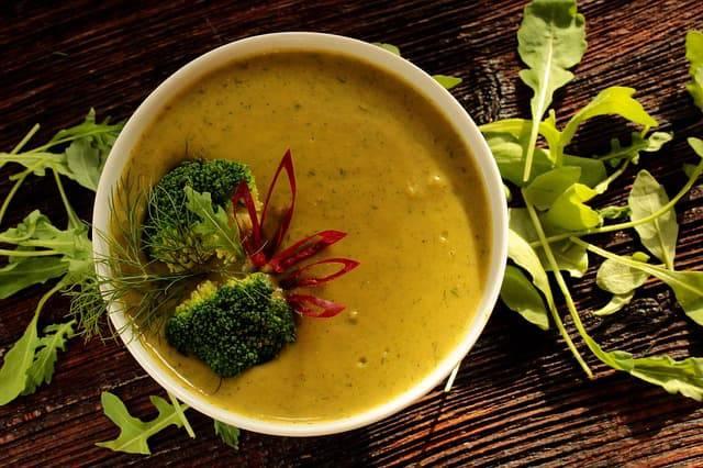 Zuppe e minestre depurative per ritrovare la forma dopo le feste