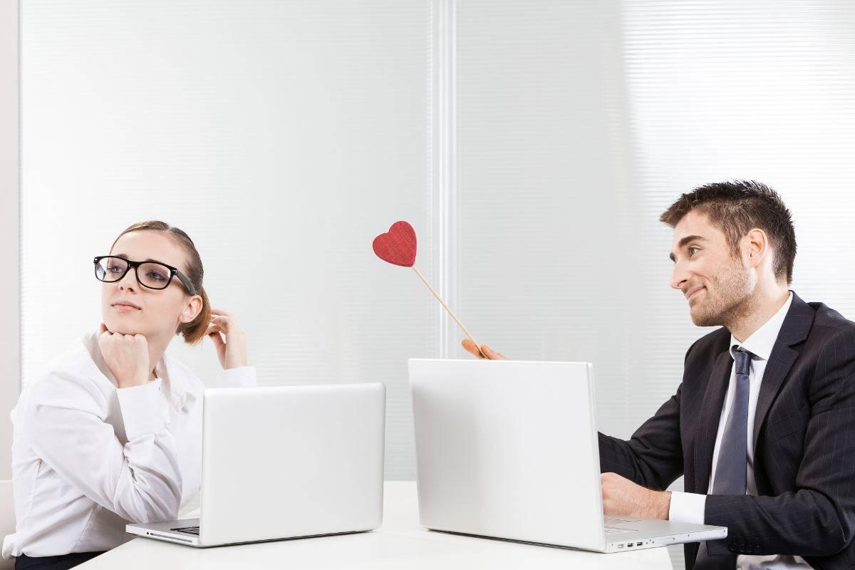 Amore sul posto di lavoro regole