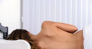 Dormire nudi fa bene alla salute: 7 motivi scientificamente provati per farlo