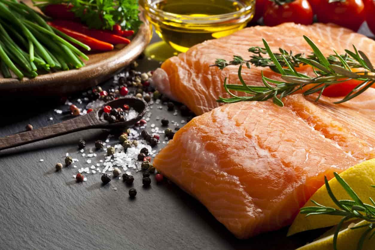 Cosa cucinare con il salmone 5 ricette facili video - Cosa cucinare la domenica ...