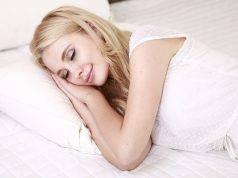 5 modi scientificamente provati per bruciare i grassi durante il sonno