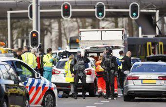 Utrecht, sparatoria su un tram: numerosi feriti e aggressore in fuga