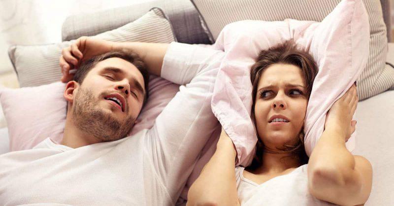 come smettere di russare con rimedi naturali