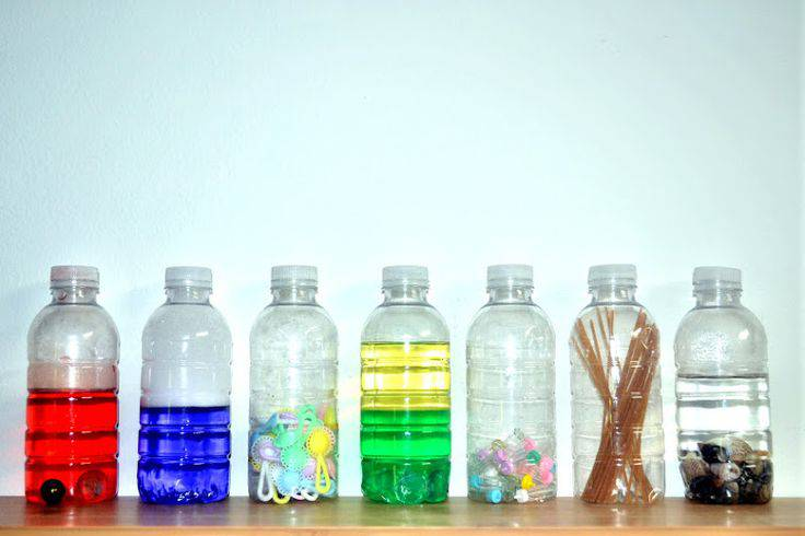 Come realizzare le bottiglie sensoriali montessori