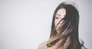 Capelli | Bisogna lavare i capelli se sono stati bagnati dalla pioggia?