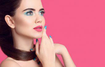 Ombretto azzurro, nuovo trend per il makeup Primavera Estate 2019
