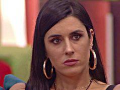 GF16: Valentina Vignali riceve una comunicazione sconcertante