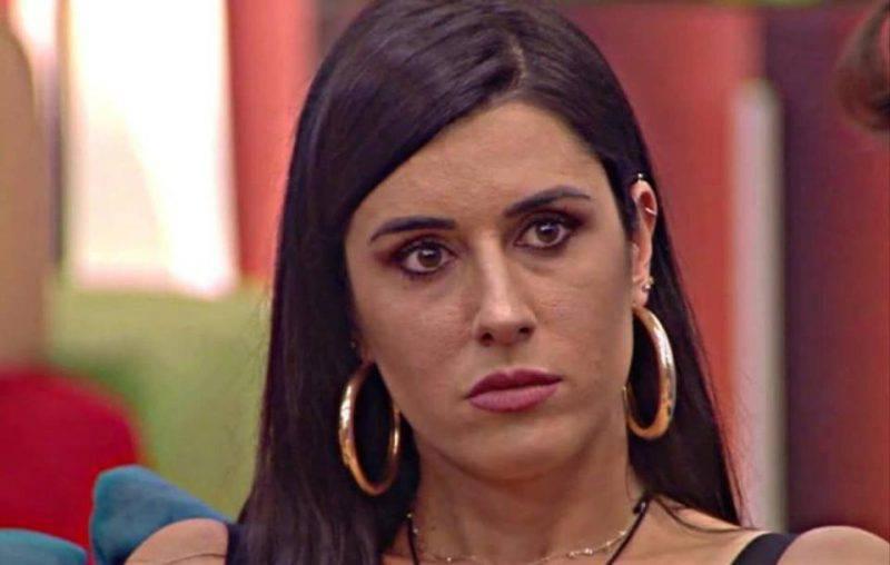 Valentina Vignali, foto conturbante in costume