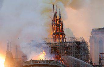 Incendio Notre Dame, le statue erano state rimosse. Parigi non aveva più i suoi guardiani