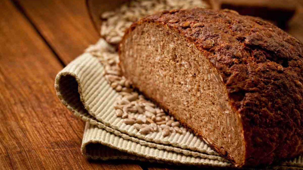 Pane Di Farro E Grano Saraceno La Ricetta E Il Procedimento