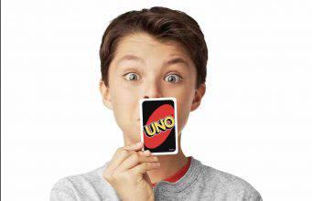 """""""Uno"""", il gioco di carte sconvolge il web: abbiamo sempre sbagliato"""