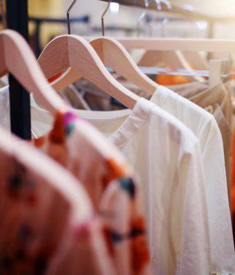 Guardaroba: 10 trucchi per salvare i tuoi vestiti danneggiati