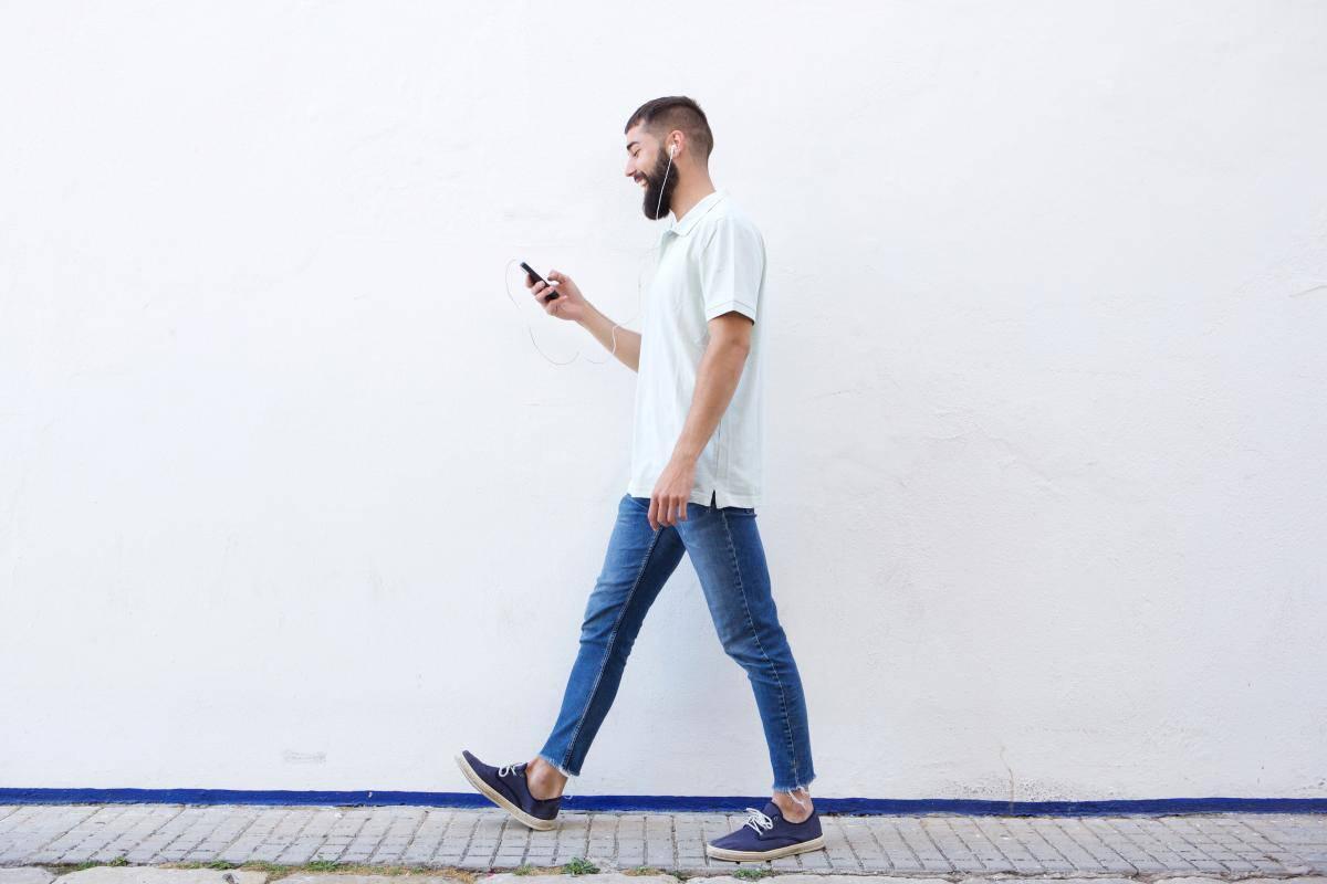 Camminare: nove cose che accadono al tuo corpo quando lo fai