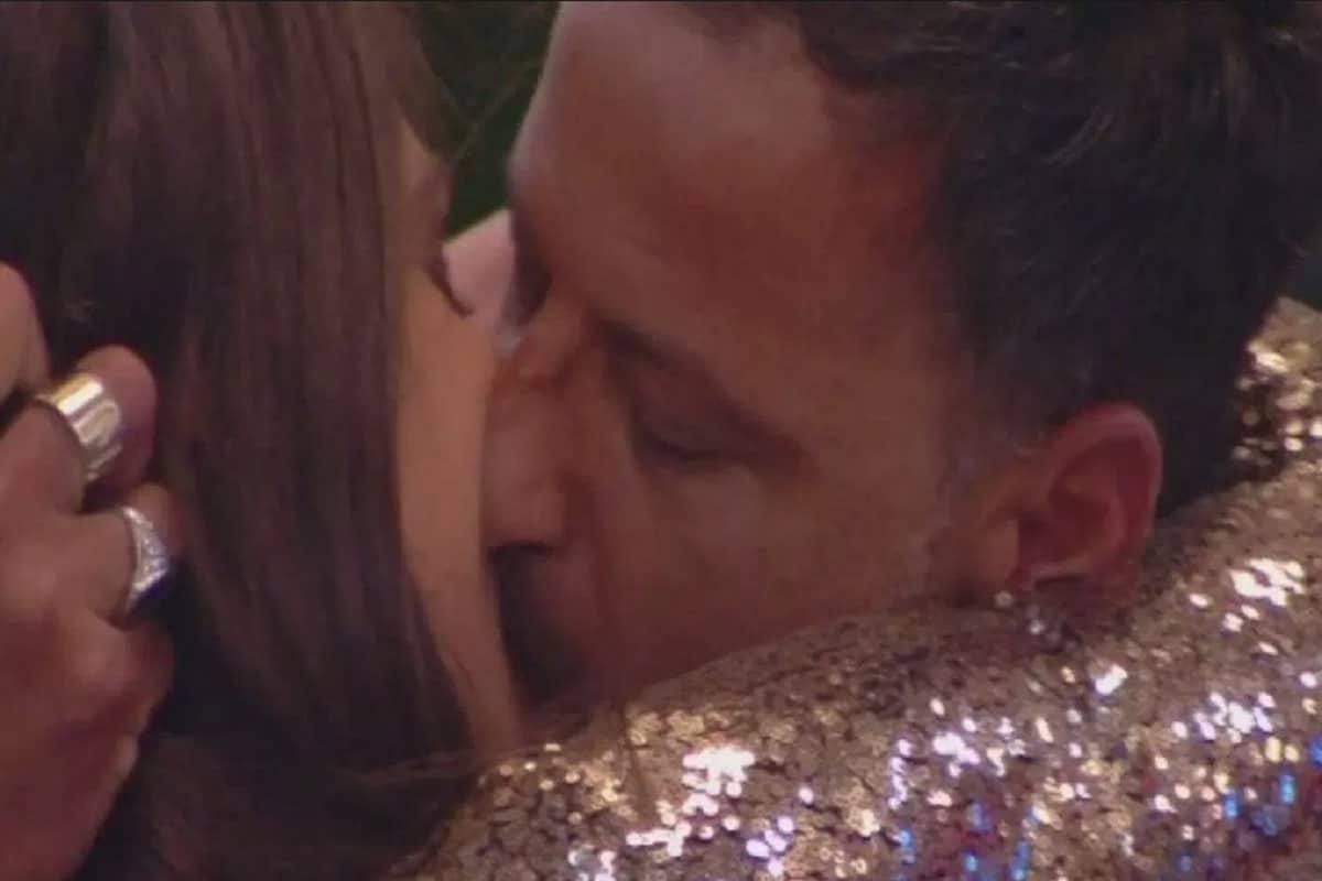gf 16 bacio kikò e ambra