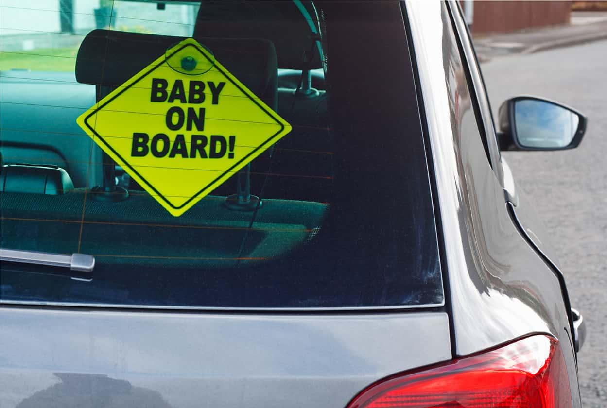 bambini in auto sistemi anti abbandono