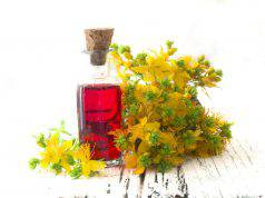 olio di Iperico, potentissimo rimedio di bellezza per la pelle